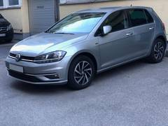 Автомобиль Volkswagen Golf 7 для аренды во Франции