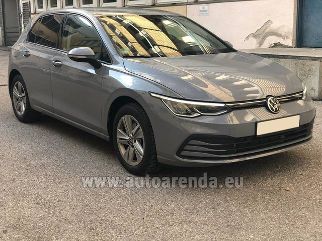 Автомобиль Volkswagen Golf 8 для аренды во Франции